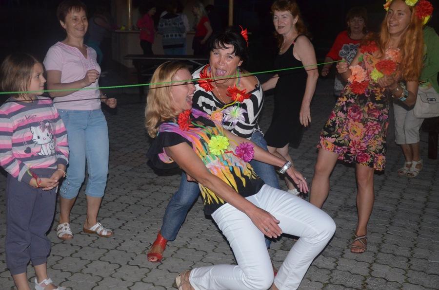 Гавайская-вечеринка-теплица-2014