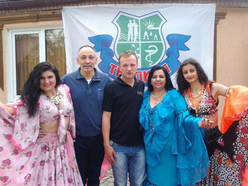 цыганский-ансамбль-ромэн-теплица
